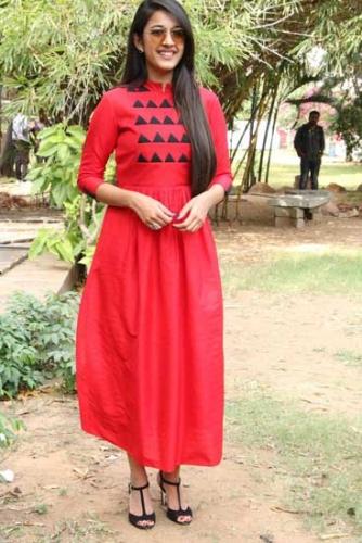 நிஹாரிகா கோனிடெலா