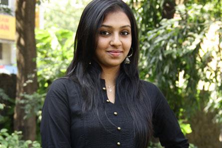 Lakshmi-Menon-fi