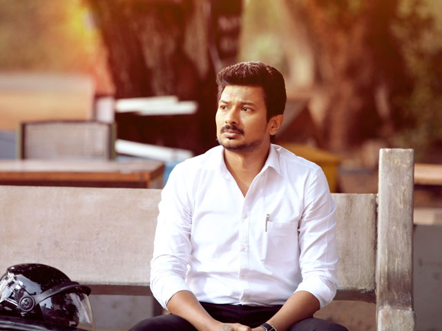 Manithan-Tamil-Review-fi