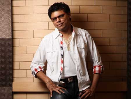 Music-director-Sathya-in-new-confidence-fi