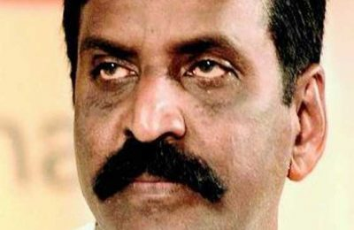 Vairamuthu-condemns-central-government-fi