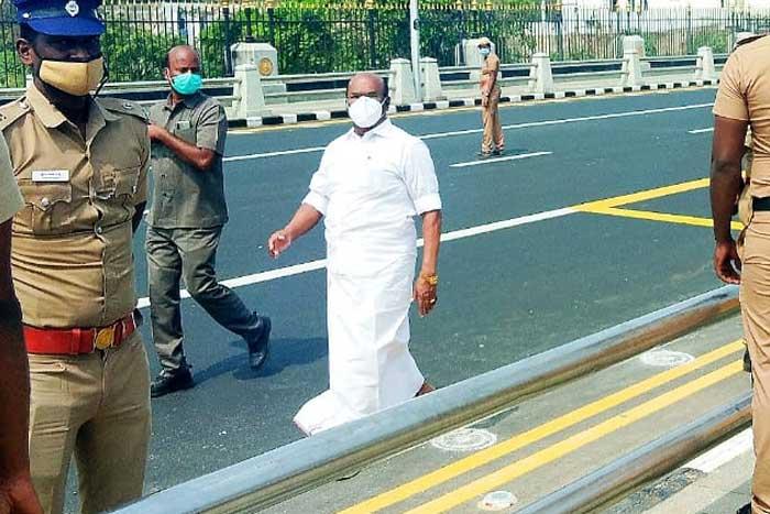 walking-minister-jayakumar